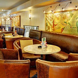 Ресторан Grand Café - фотография 6 - Зал на втором этаже до 60 мест