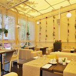 Ресторан Crazy Hunter - фотография 4 - Летняя Веранда