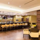 Ресторан The Garden Grille & Bar - фотография 2 - Lobby-bar для тех, кто ценит атмосферу, наполненную ароматами изысканных напитков.