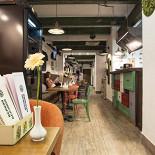 Ресторан Всякая всячина - фотография 3 - Зал
