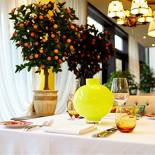 Ресторан Марио - фотография 4 - Место для романтической встречи в итальянском стиле - под сенью апельсинового дерева