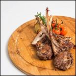 Ресторан Де Марко - фотография 6 - Каре барашка- нежная корейка ягненка приготовленная на гриле или на мангале  по вашему желанию с овощами.