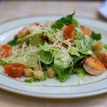 Ресторан На Знаменке - фотография 6 - цезарь с креветками