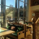 Ресторан Festus - фотография 2 - Зал вид из окна 1 этаж