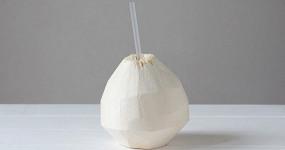Все о кокосовой воде: сколько в ней сахара, заменяет ли она обычную воду и полезна ли она