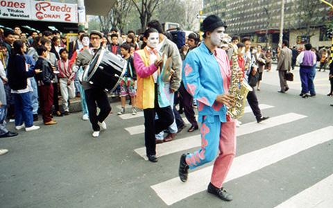 Мэр Боготы о том, как гражданская ответственность и клоунада изменяет города