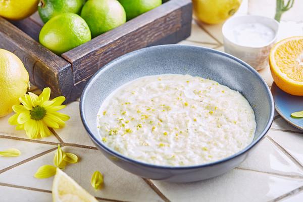 рисовая каша с цитрусами на кокосовом молоке (290 р.)