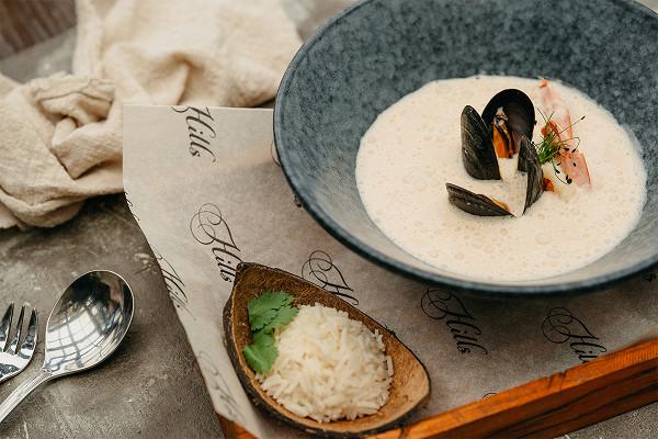 том-ям с морепродуктами (900 р.)