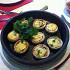 Ресторан Мадам Галифе - фотография 12 - Шампиньоны с сыром и зеленью