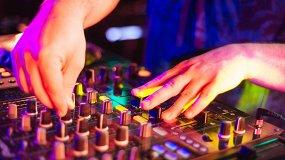 «Дыхание ночи»: DJ Tolkachev, MC Илья Хомутов