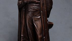 (Не)подвижность. Русская классическая скульптура от Шубина до Матвеева
