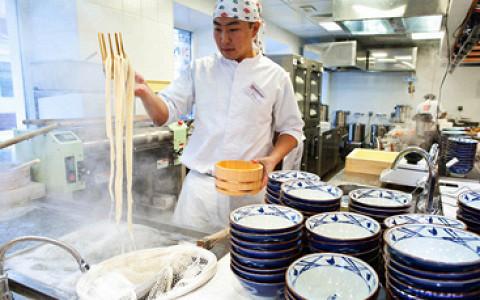 Еще один бар на Цветном бульваре, «Честная кухня» стала больше, новые «Марукамэ», Shawarma Republic и «Дорогая, я перезвоню...»