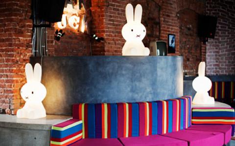 Fott переехал, новый большой бар Bar Duck, французско-петербургская пекарня и другие