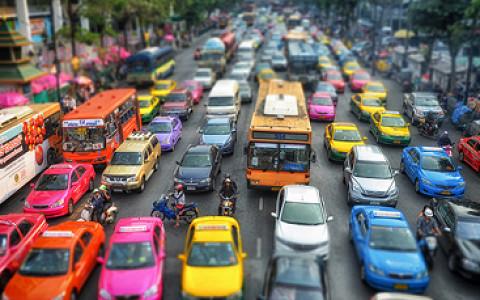 Триллион рублей на автобусы и метро, конкурс на борьбу с пробками, стоянки такси и судьба МКЖД