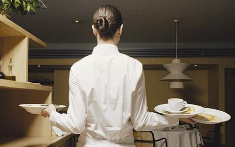 Как работают и сколько получают официанты в Лондоне, Женеве и Копенгагене