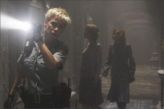 Лори Холден (Laurie Holden)