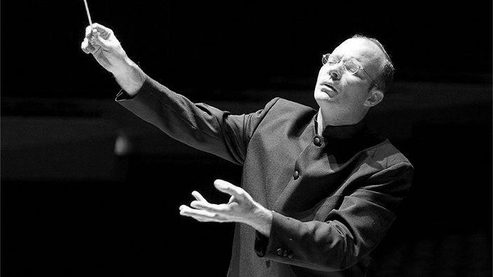 Хор и симфонический оркестр Мариинского театра. Дирижер Кристиан Кнапп