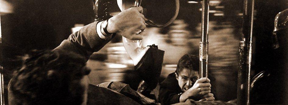 Кино: «Незнакомцы в поезде»