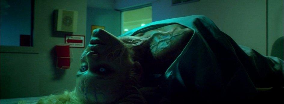 Кино: «Особь-4: Пробуждение»