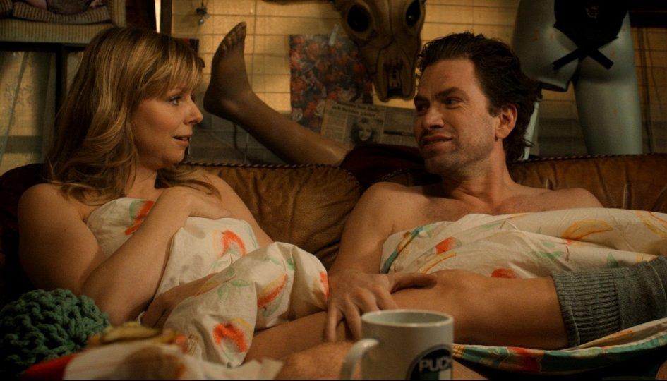 Кино: «Спит ли Долли на спине?»