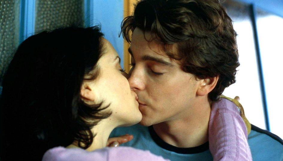 Кино: «Виртуальная сексуальность»