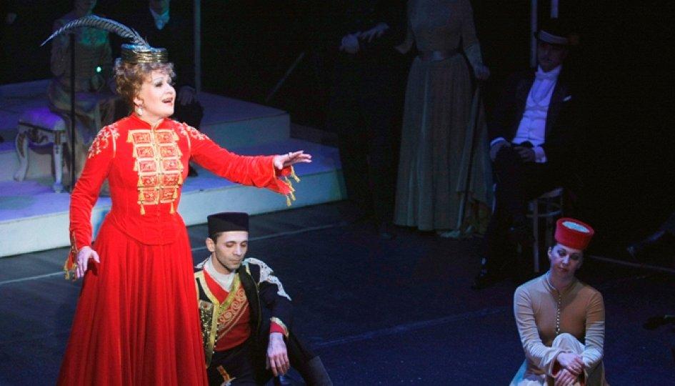 Театр: Веселая вдова, Екатеринбург