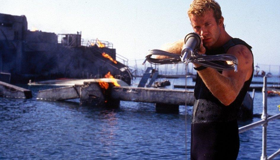 Кино: «Глубокое синее море»