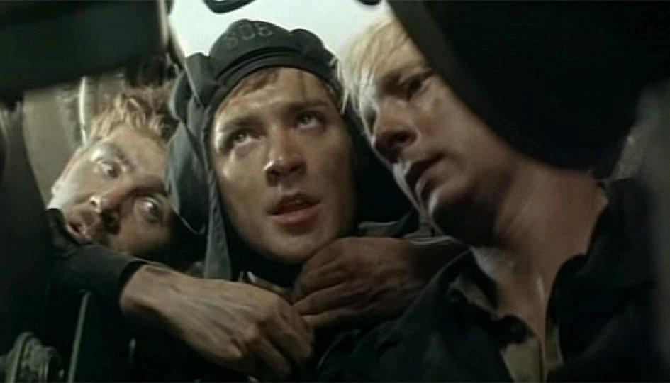 Кино: «Экипаж машины боевой»