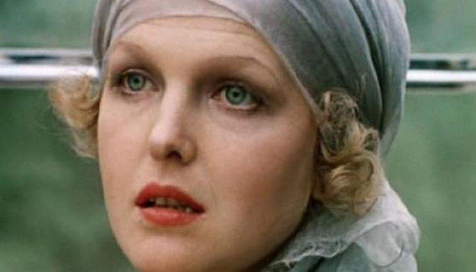 Кино: «Раба любви Елена Соловей»