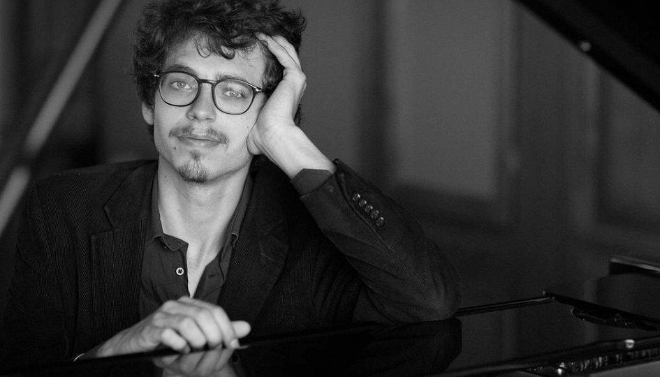 Концерты: Люка Дебарг (фортепиано, Франция)