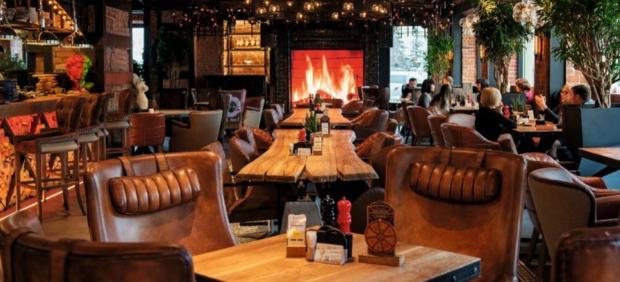 fitcher: Ужин в четыре руки в ресторане «Ваще огонь»
