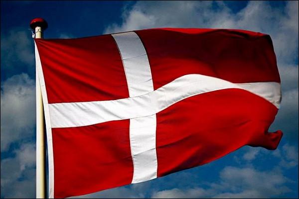 Датчане всамой концовке превратили 0:3отШвейцарии вничью