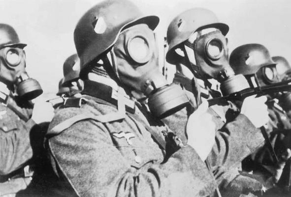 Почему Гитлер испугался применять боевые газы против Красной Армии