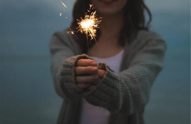 Психолог дала советы людям, празднующим Новый годводиночестве