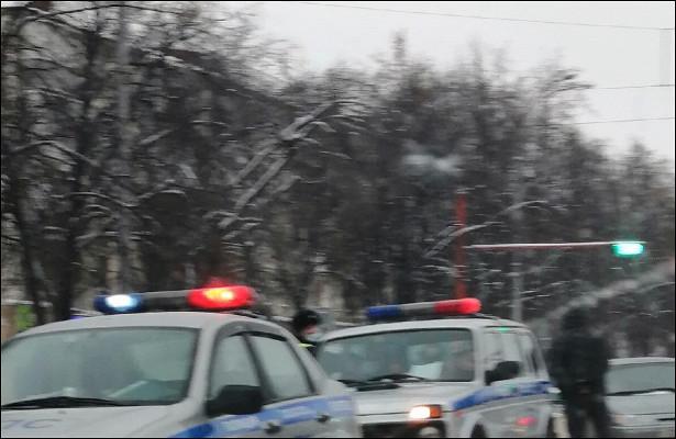 Разворачивающийся посреди Ленина кемеровский водитель отправил вбольницу двух человек