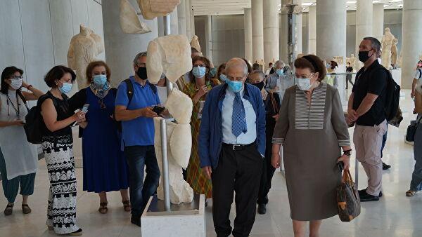 Главный эпидемиолог Греции рассказал, когда закончится пандемия COVID-19