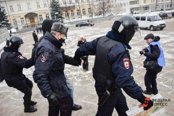 ВЕкатеринбурге продолжаются задержания сотрудников штаба Навального
