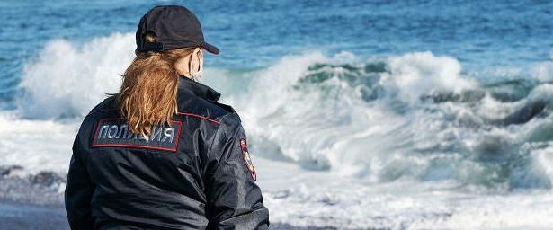 НаКамчатке 11человек обратились запомощью кврачам после контакта сокеанической водой