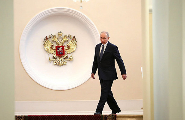 Планы Путина: сделать РФодной изкрупнейших экономик ипобедить бедность