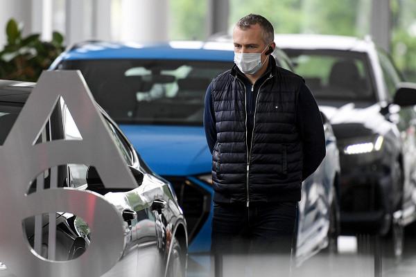 Россияне столкнулись сдефицитом автомобилей