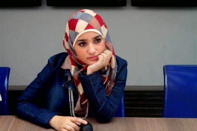 Она ищет его в исламский сайте