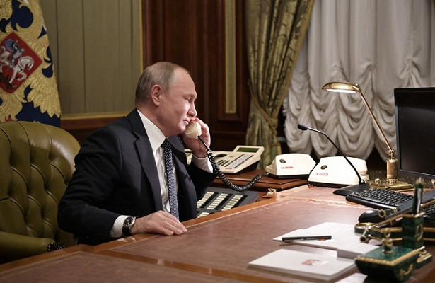 Путин провёл телефонные переговоры сКурцем