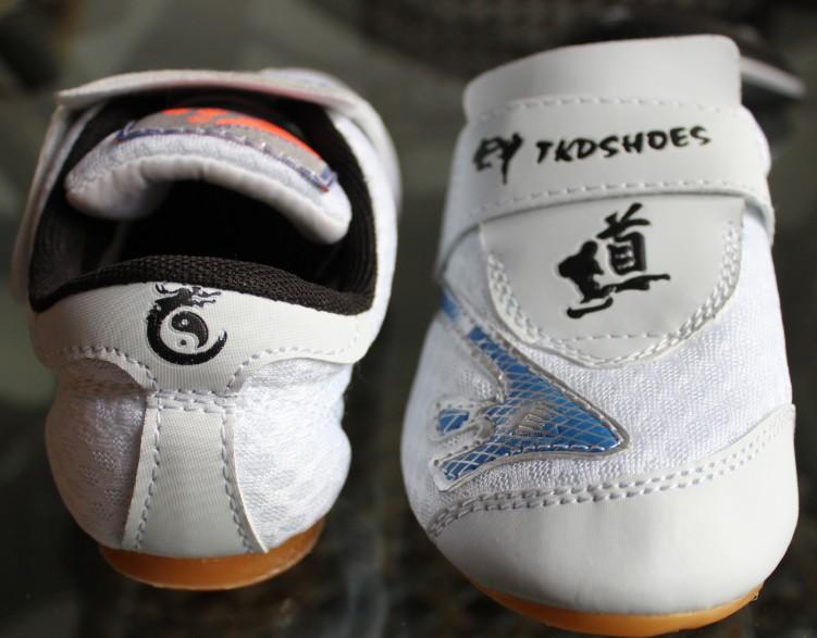 Детскую обувь для тхэквондо