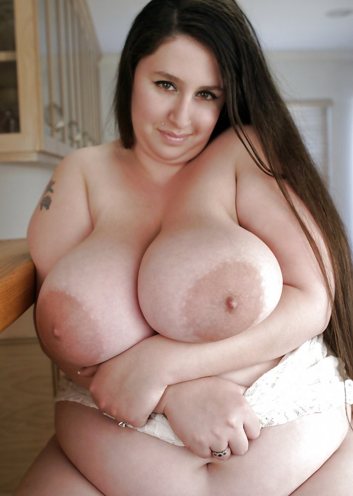 Big tited girl squirts