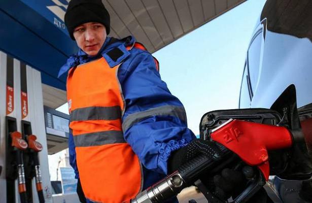 Цена набензин приблизилась кисторическому максимуму