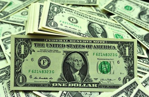 Курс доллара ускорил рост кмировым валютам