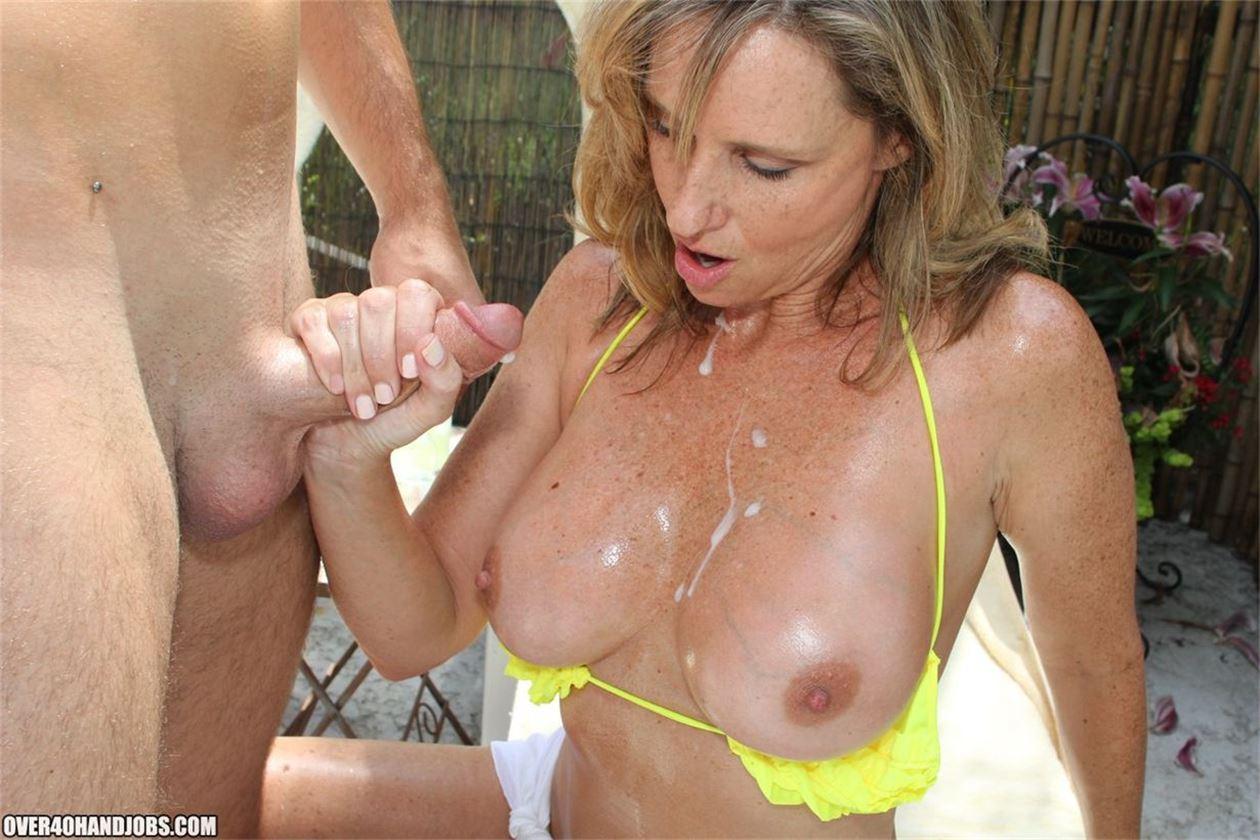 Brunette show on webcam cam sex
