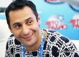 Стас Костюшкин снял клип нановую песню «Ябуду зажигать» сМария Миа