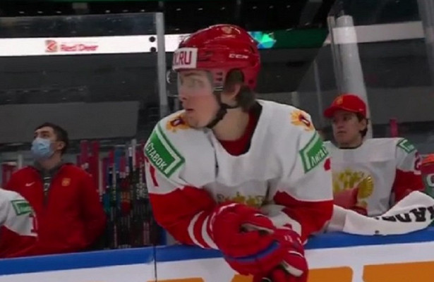 Молодежная сборная России похоккею проиграла Канаде вполуфинале чемпионата мира