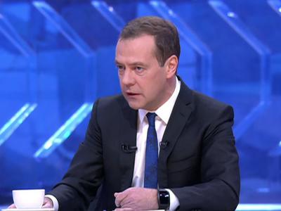 Медведев приехал в«Останкино» наразговор